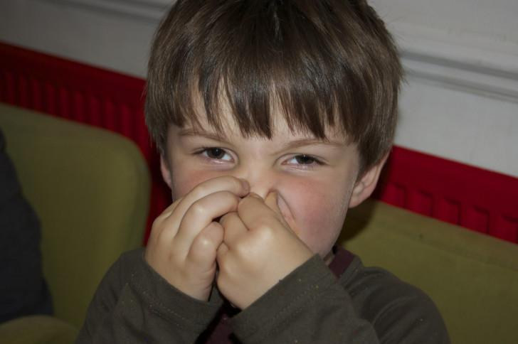Запах ацетона изо рта у ребенка — рекомендации