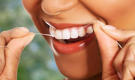 Сколько стоит сделать зубы виниры